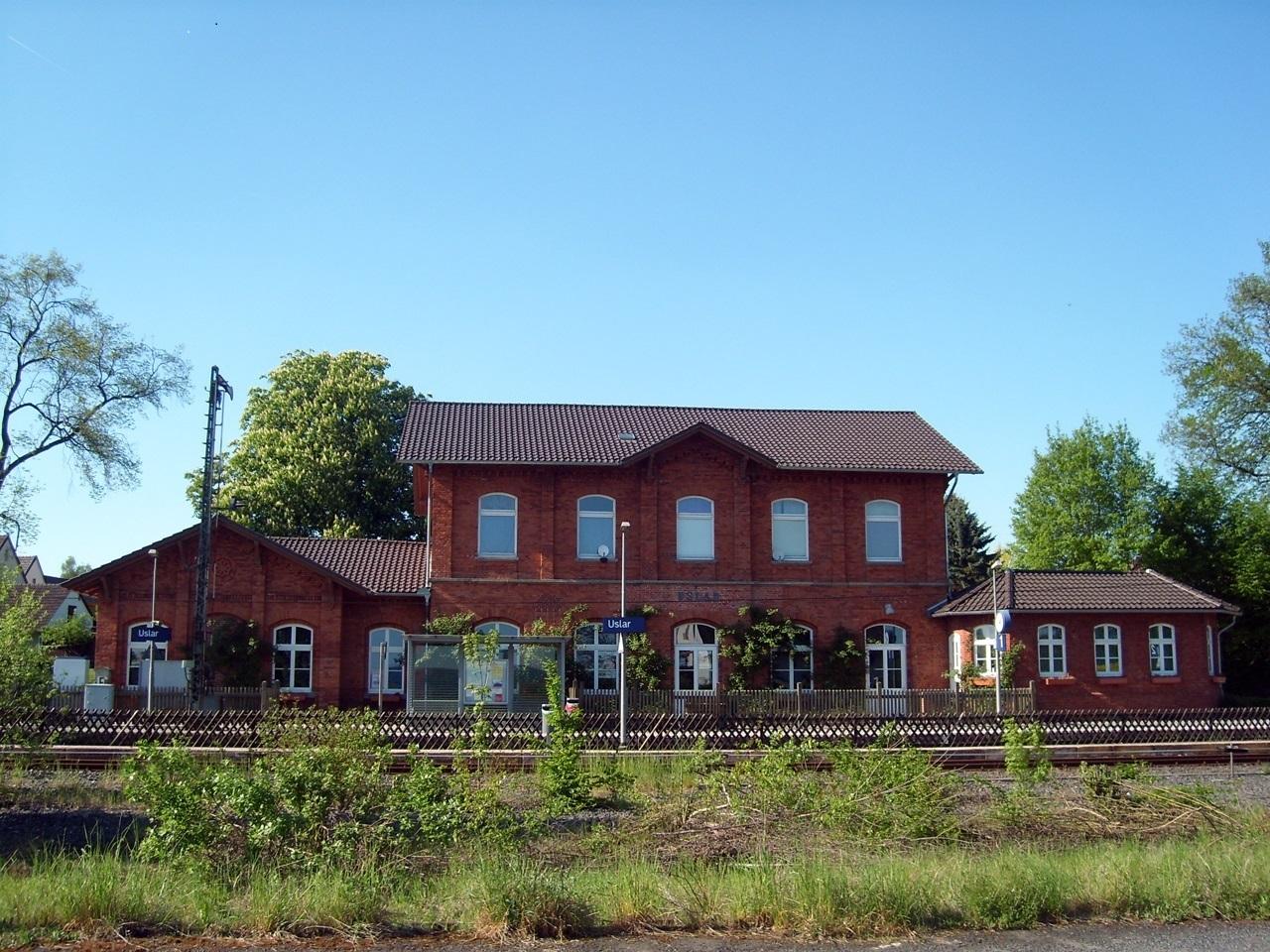 uslarbahnhof01.jpg
